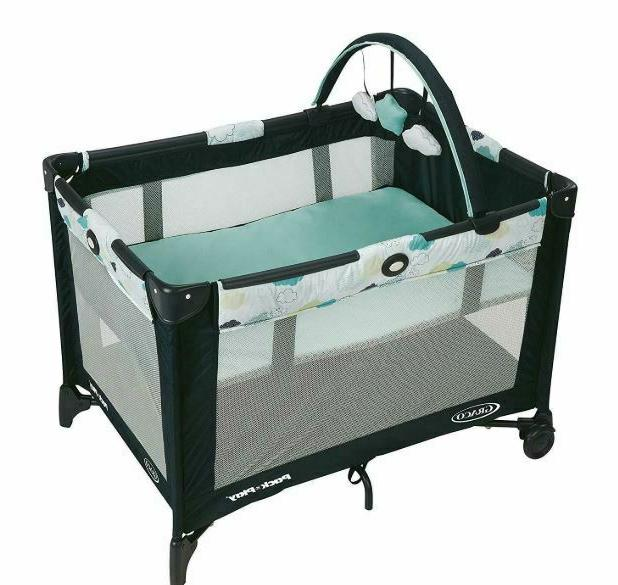 Graco Pack 'n Play On the Go Playard Stratus  Infant Bassine